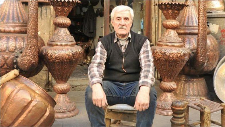 بين سوريا وتركيا.. نصف قرن من الإبداع على النحاس