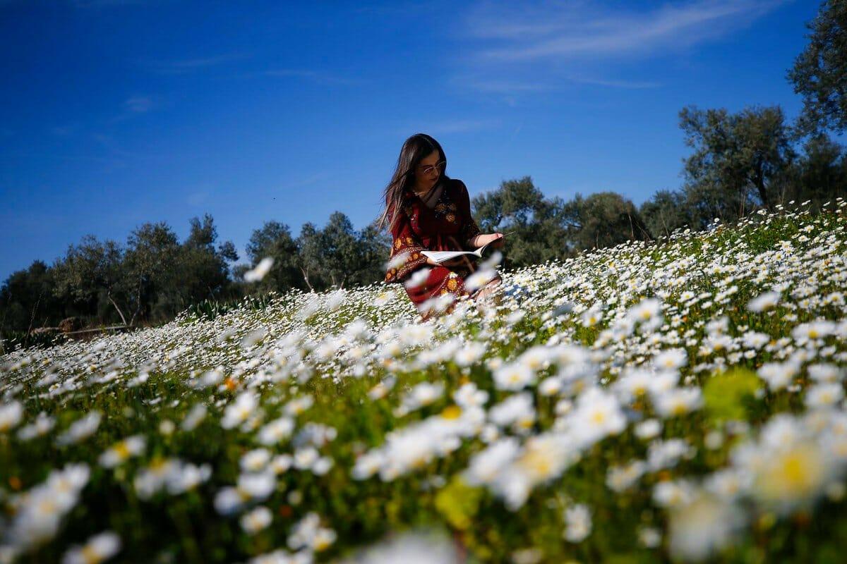 - ربيع أنطاليا التركية عباءة تتألق بجمال استثنائي