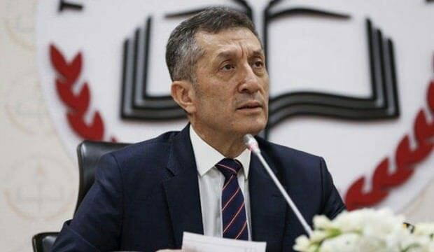 وزير تركي: نسبة تعليم السوريين في تركيا بلغت 70 بالمئة