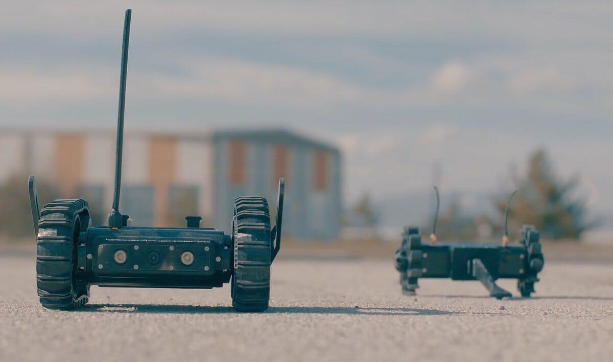 D2AhSWcXQAAI3 W - شركات التصنيع الدفاعي التركية تنتج النماذج الأولى لعربات برية بدون سائق (صور)