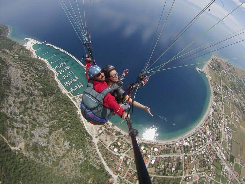 D2gRWYyWsAQOha9 - جبل ألاتبه بموغلا التركية.. ملتقى عشاق الطيران المظلي