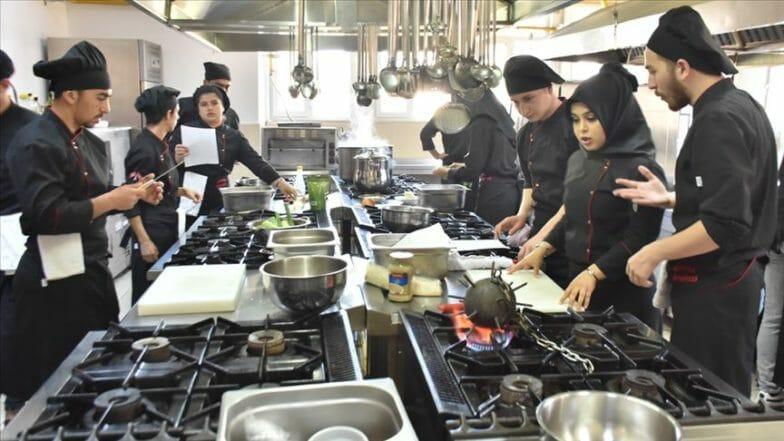 جامعة تركية تحيي المأكولات العثمانية وتنقلها إلى يومنا الحاضر