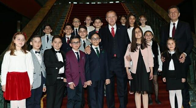 أردوغان: للأطفال لا تسمحوا للتكنلوجيا الحديثة أن تأسركم