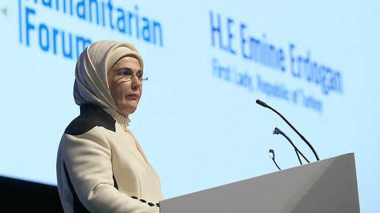 """2019 04 erdoganodul 3 - المنتدى الإنساني الدولي يمنح جائزة """"صانع التغيير"""" لأمينة أردوغان"""