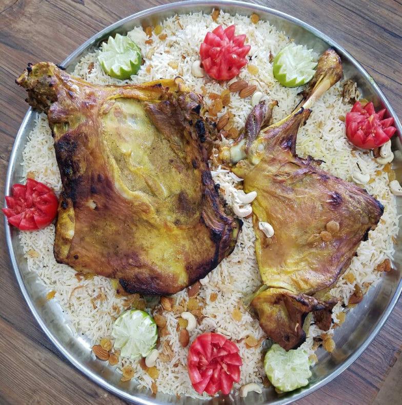 الفحسة والحنيذ والمندي.. أطباق يمنية على موائد إسطنبول