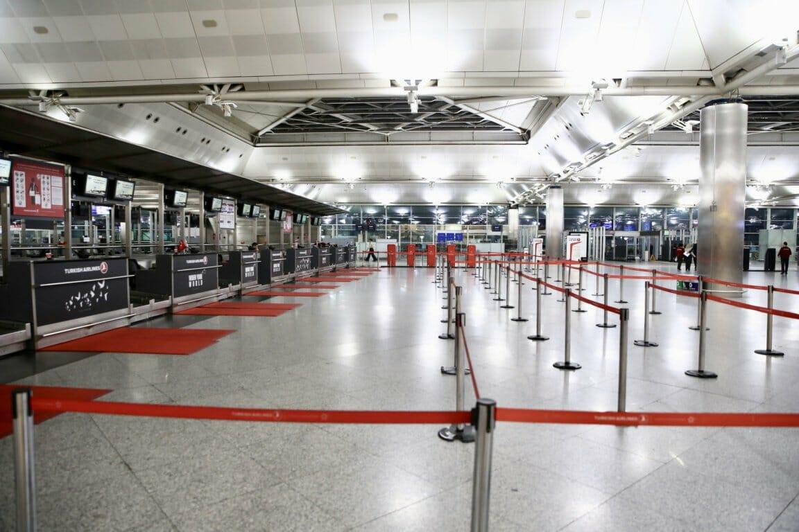 D3c3 SZWsAIhRma - مطار أتاتورك يودع آخر طائرة داخلية بأجواء من الفرح والإثارة
