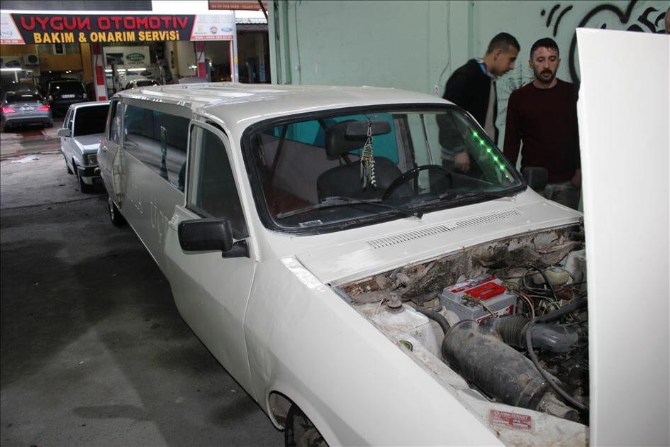 "D3oMoRMXsAAu3PZ - تركي يحول سيارة قديمة الى ""ليموزين"""