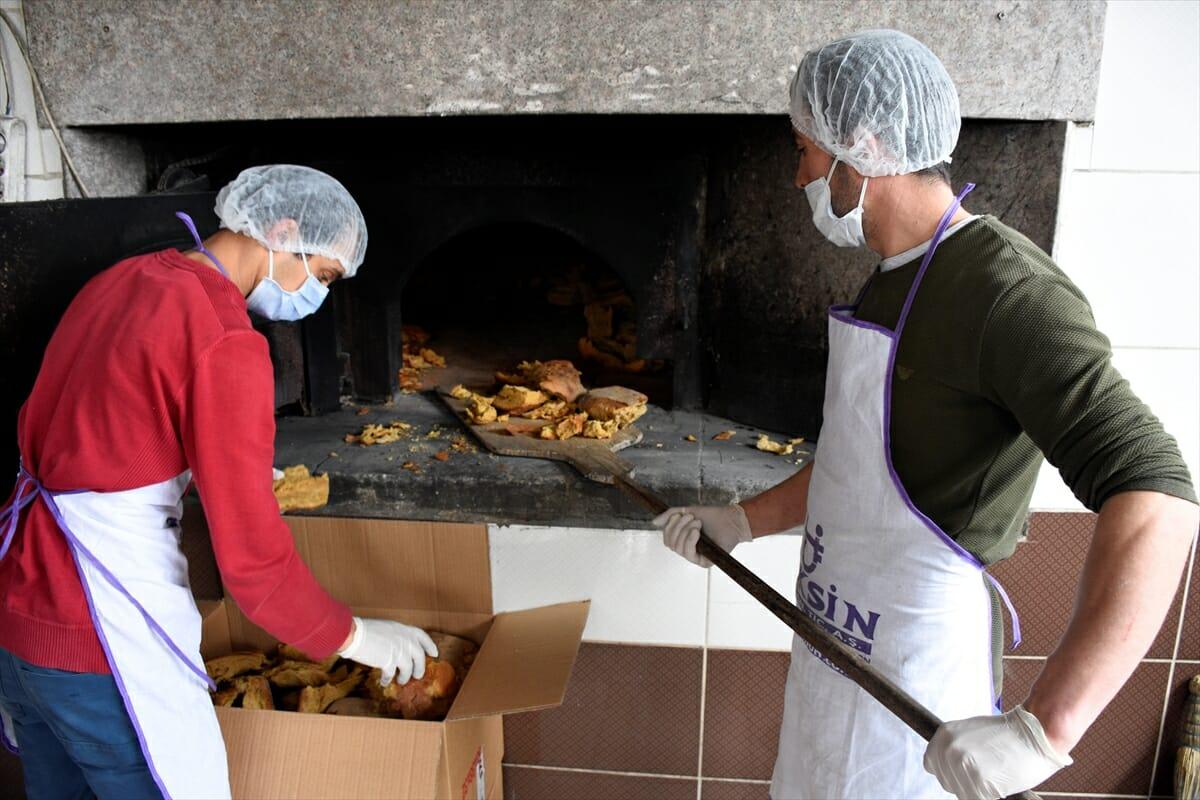 "tas firindan cikan asirlik lezzet arakoy harc ekmegi 4c5173c - قرية تركيا تحافظ على تقاليد الأجداد في صناعة ""خبز الهرج"" (ألبوم صور)"