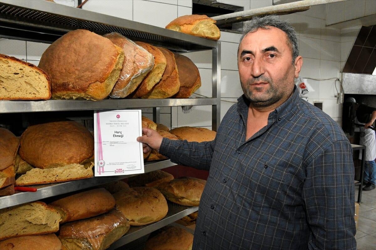 "tas firindan cikan asirlik lezzet arakoy harc ekmegi 653fea1 - قرية تركيا تحافظ على تقاليد الأجداد في صناعة ""خبز الهرج"" (ألبوم صور)"