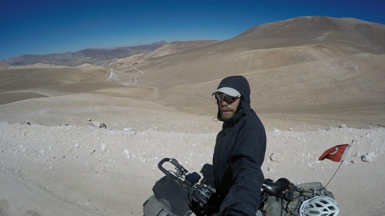 1193476 - رجل تركي يتجول العالم بدراجتهِ الهوائية منذ 8 سنوات