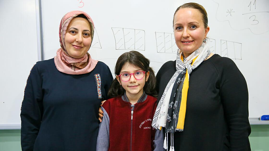 2020 02 elanur 3 - طالبة تركية تحصد المركز الاول في مسابقة الرياضيات العالمية
