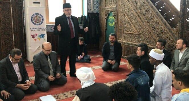 3194962 - مسابقة الطلاب الأجانب في قراءة القرآن الكريم بشكل جميل