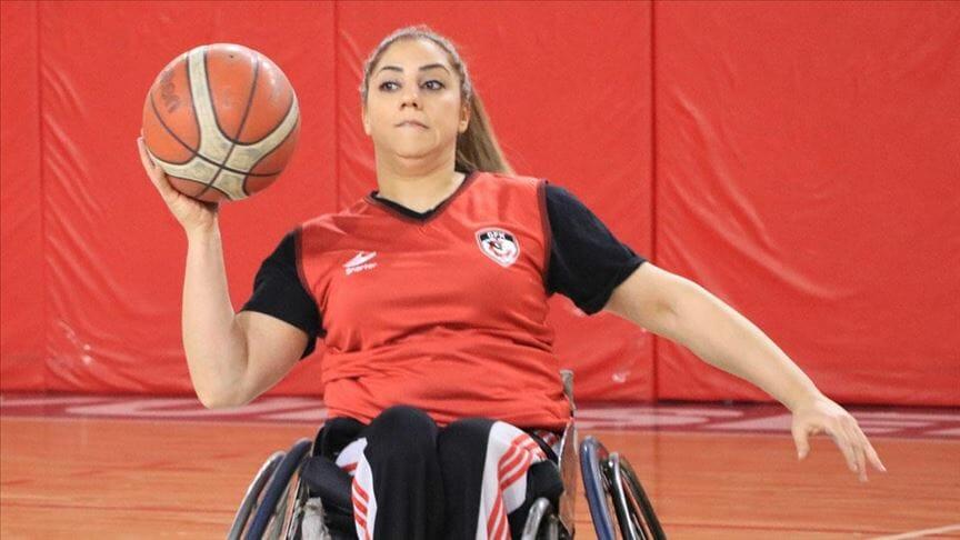 thumbs b c ba707b88ea49fbd44c7319e8c7cb82a2 1 - امرأة تركية تتخطى إعاقتها بحيويتها و نشاطها