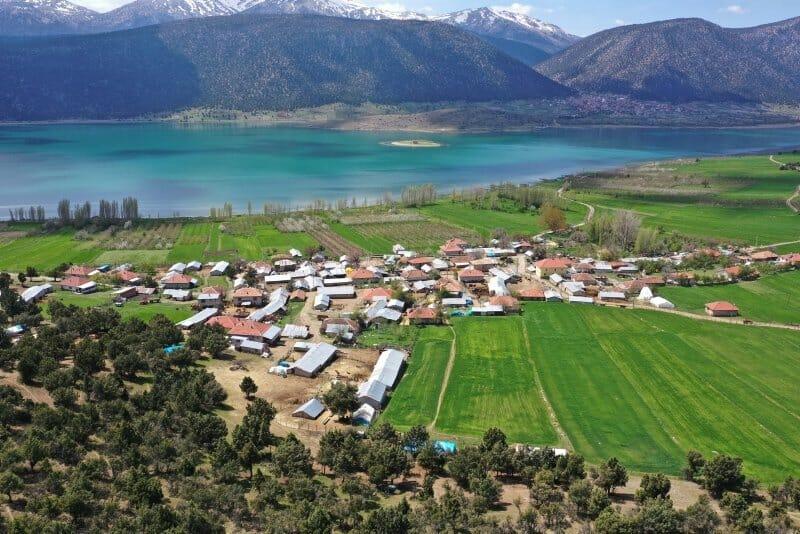 1587466727528 - جزيرة تركية غالبية سكانها من كبار السن تنجو من مخالب كورونا