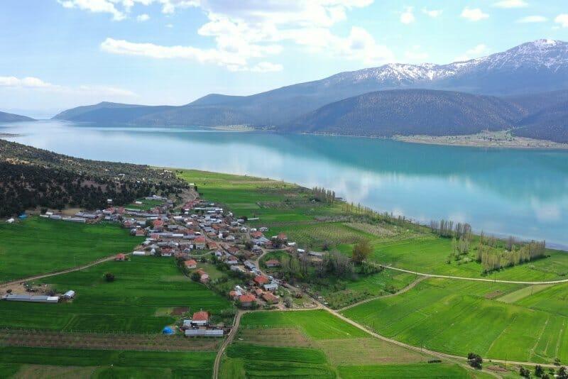1587466729439 - جزيرة تركية غالبية سكانها من كبار السن تنجو من مخالب كورونا