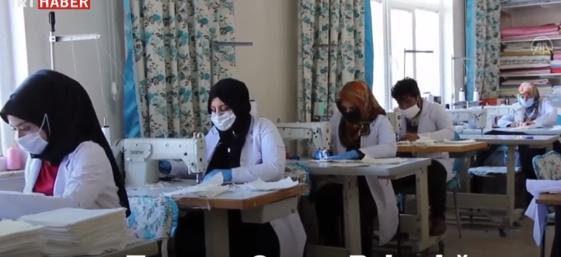 58 - ورش وزارة الزراعة التركية تنتج لوحدها 3 ألاف قناع طبي يوميا