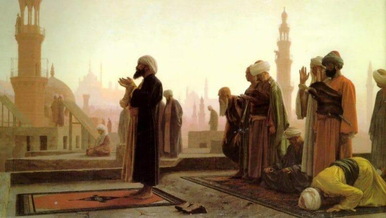 تاريخ التراويح.. عطلت إقامتها الأزمات وأعدم الفاطميون مصليها وكان الشافعي يؤديها ببيته