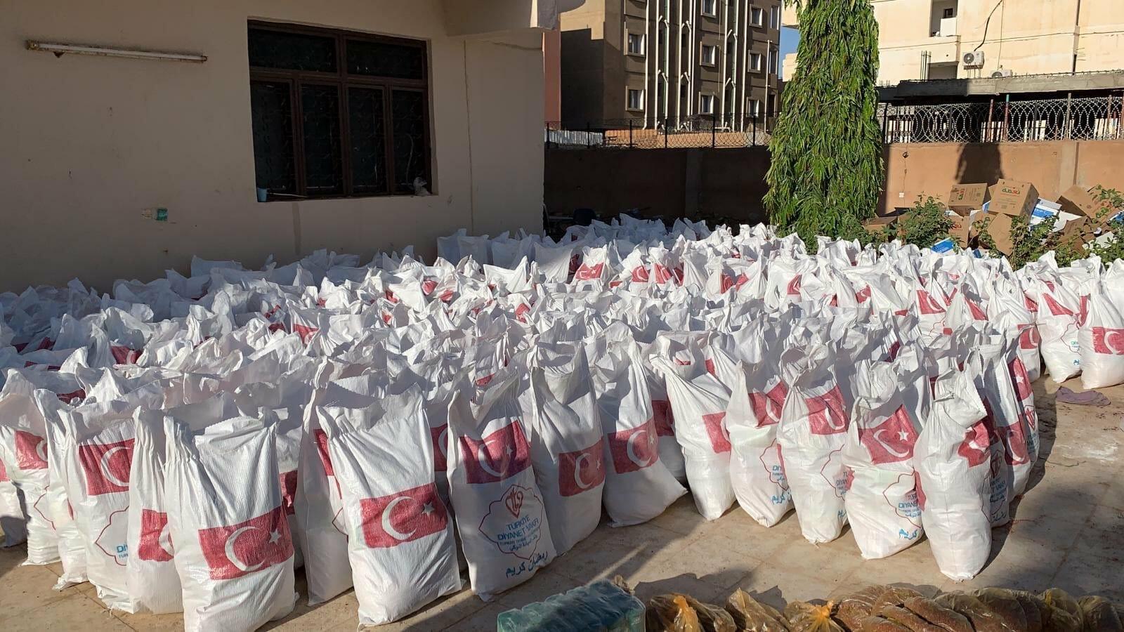 EVvoZFtWAAAprL5 - تركيا .. دعم الأسر الفقيرة في السودان بأكثر من 16 ألف حقيبة رمضانية