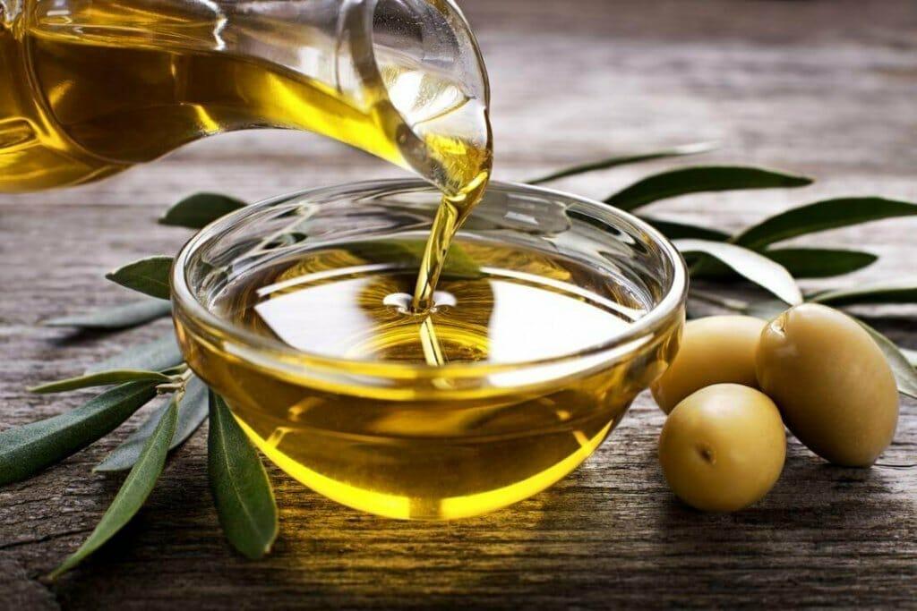 olive oil 1024x683 1 - زيت الزيتون.. أهم الدهون الصحية على الأرض