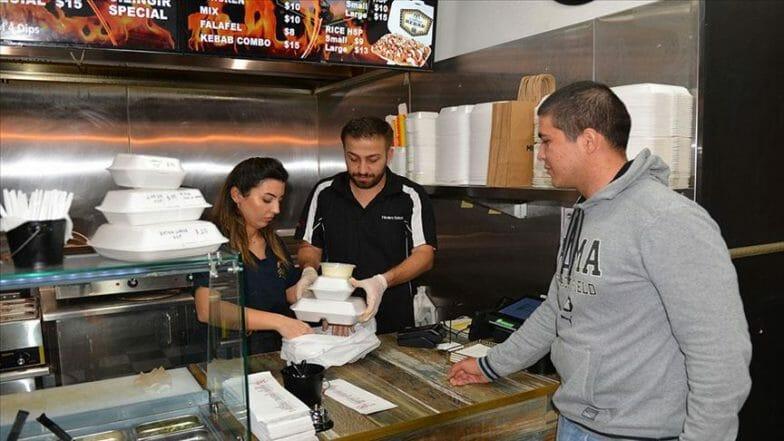 أستراليا.. مطعم تركي يتكفل بإطعام الطلاب المحتاجين طيلة رمضان