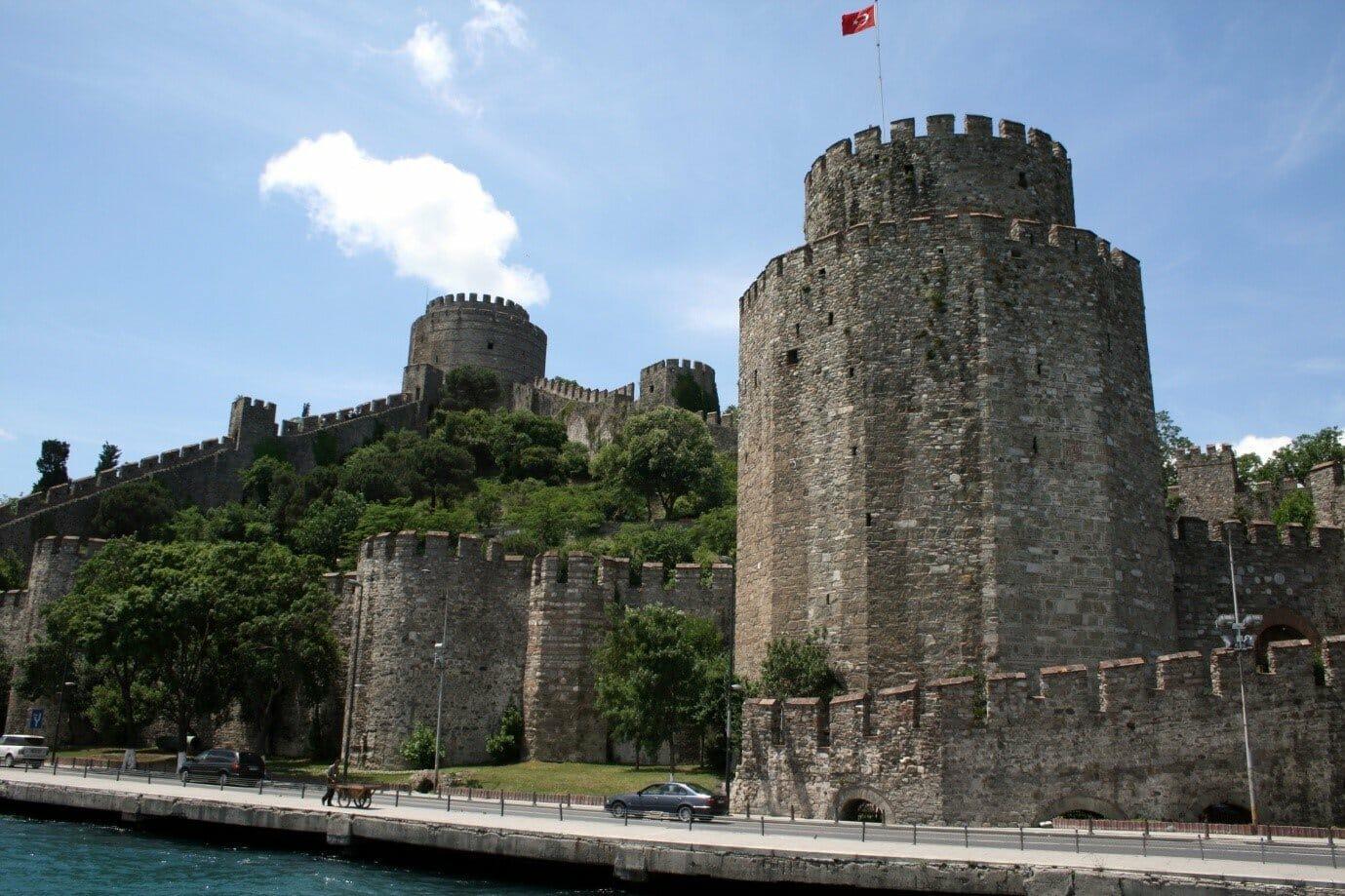 """1 73 - """"روملي حصار"""" أقدم قلعة تاريخية في تركيا"""