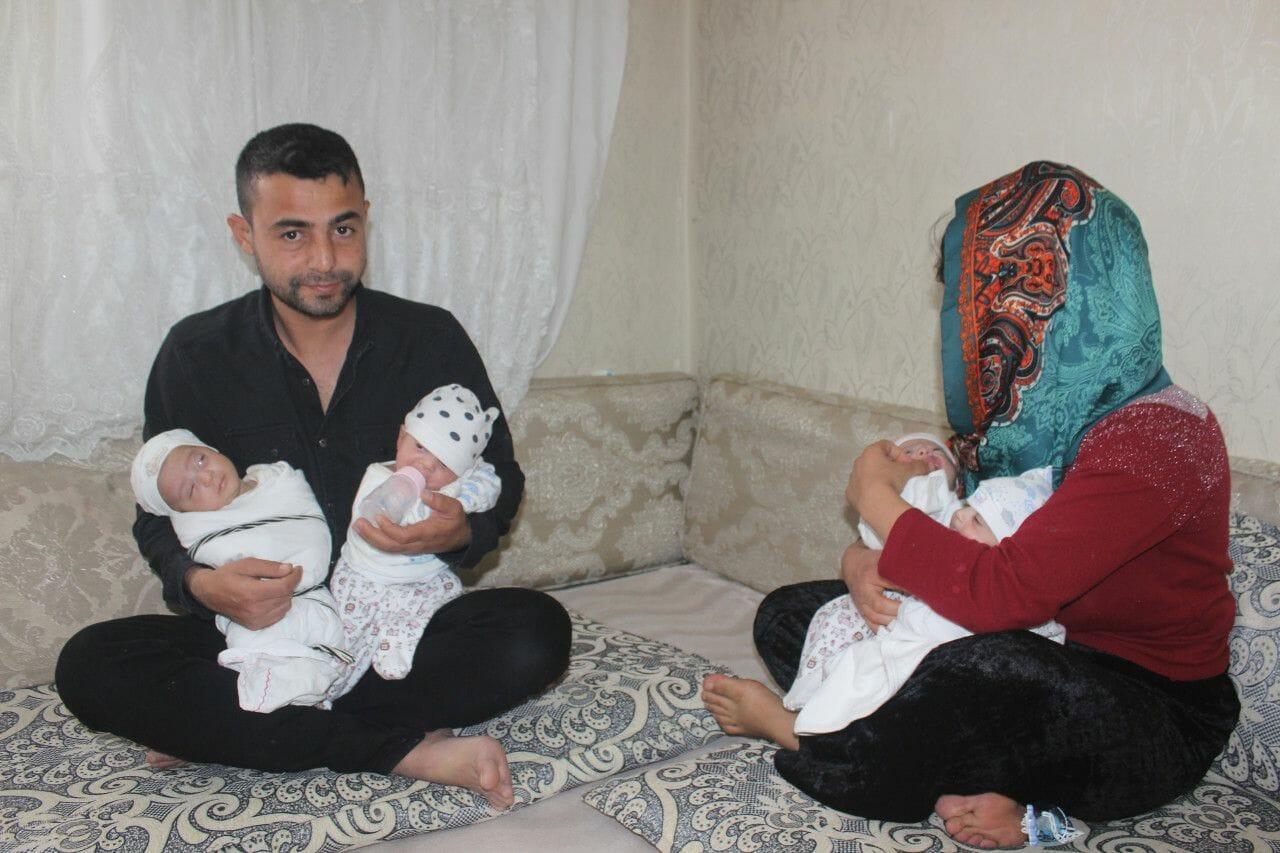 23977235 1589018002 1589018933 - ولادة أربع توائم في الشهر السابع لعائلة تركية