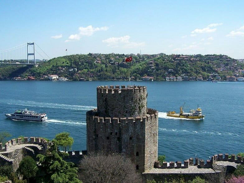 """""""روملي حصار"""" أقدم قلعة تاريخية في تركيا"""