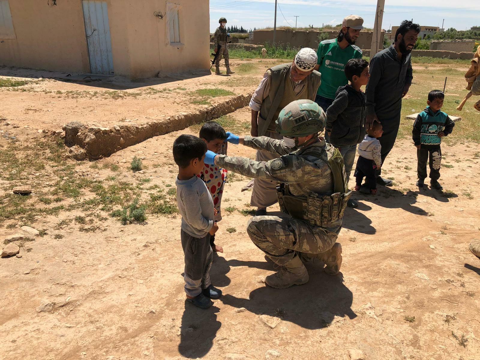 """EXUU54OXQAE3K 5 - """"نبع السلام"""".. الجيش التركي يفرح قلوب الأطفال السوريين"""