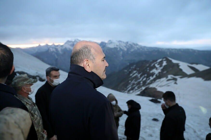 EYuaGQ WAAIYisE - آخر إفطار لوزير الداخلية التركي.. فوق قمم الجبال
