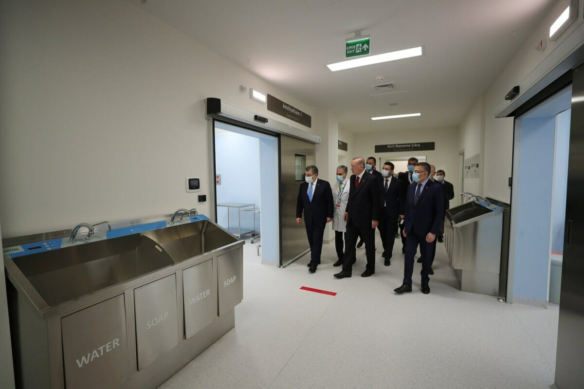 EZWaS0sWsAADTJ0 - بتجهيزات متطورة.. أردوغان يفتتح مستشفى جديدا في إسطنبول