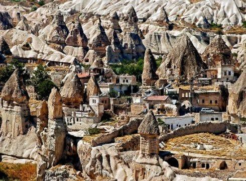 كهوف كابادوكيا: المكان الذي تعيش فيه الحضارات القديمة