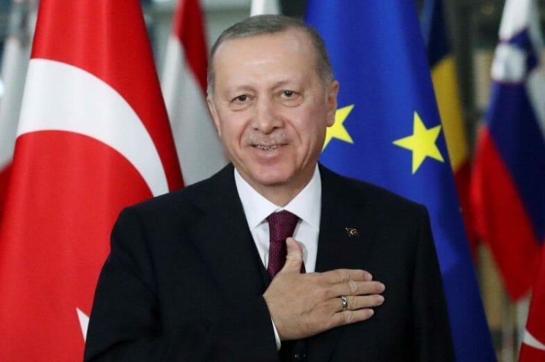أردوغان يهنئ المسلمين بليلة القدر: سنتخطى مصيبة كورونا
