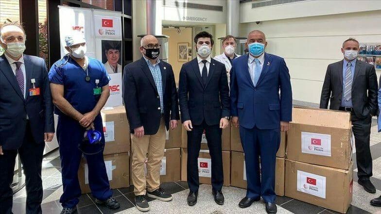 الولايات المتحدة.. الجالية التركية تقدم مساعدات للكوادر الطبية