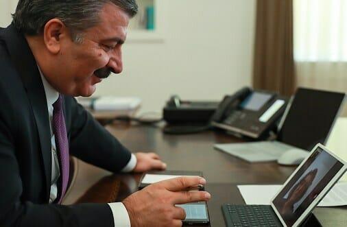 """تغريدات وزير الصحة التركي..بروح الدعابة دعوة للوقاية من """"كورونا"""""""
