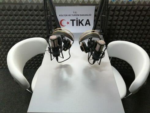"""رومانيا.. """"تيكا"""" تدعم إذاعة ناطقة باللغة التركية بمعدات لوجستية"""