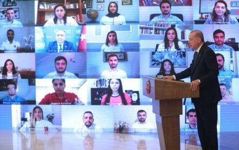 أردوغان يحذر الشباب من التدخين والكحول والمخدرات: لا تستسلموا لهذا الواقع
