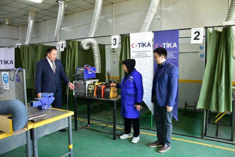 """""""تيكا"""" التركية تزود مدرسة مهنية منغولية بمعدات تدريبية"""