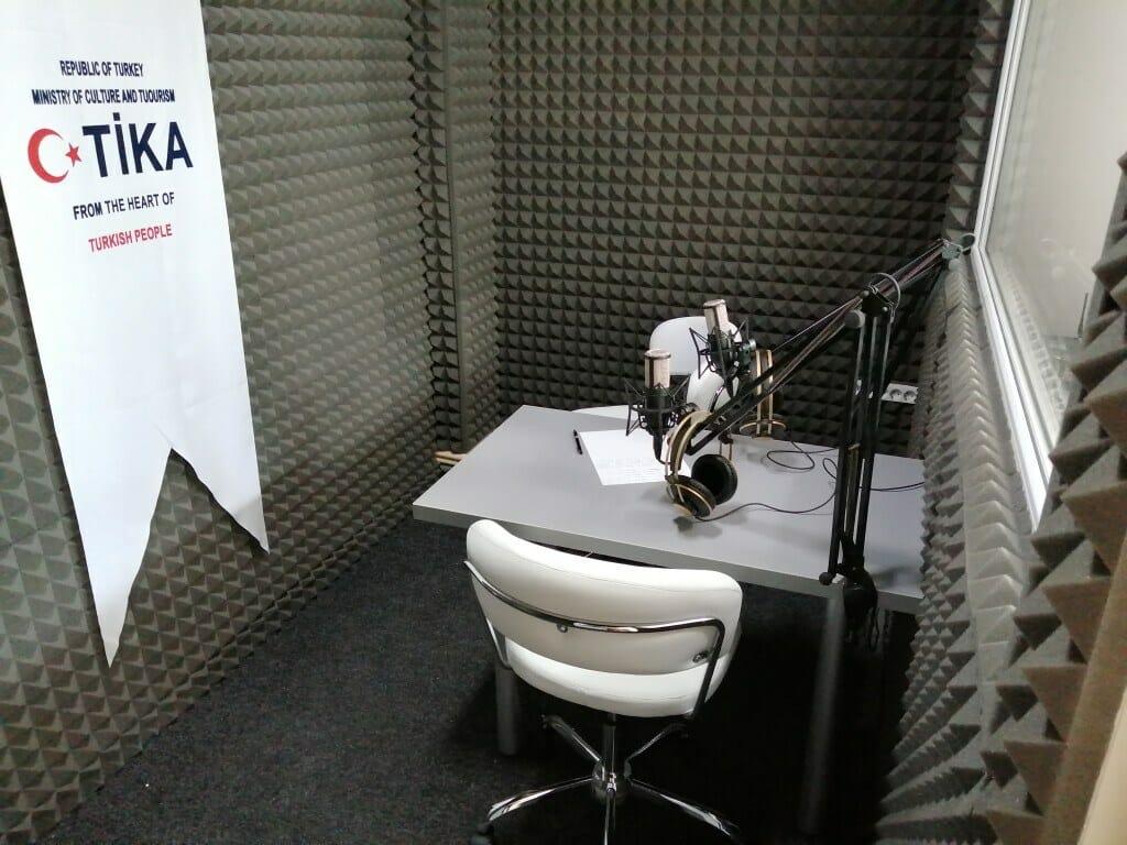 """3.1024. - رومانيا.. """"تيكا"""" تدعم إذاعة ناطقة باللغة التركية بمعدات لوجستية"""
