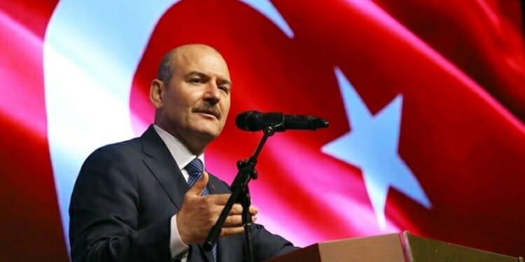 وزير الداخلية التركي : لن نحتاج إلى حمل رخصة القيادة بعد الأن