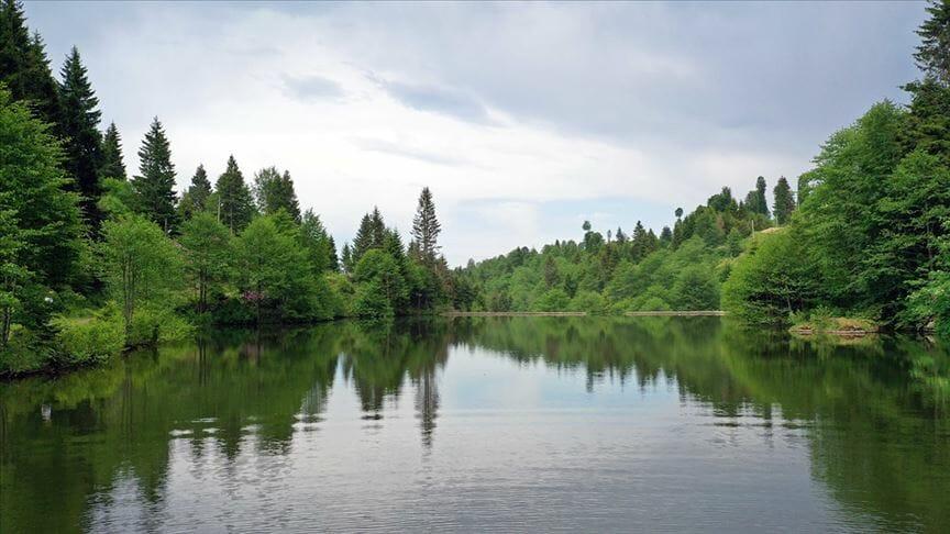 """بحيرة """"باليكلي"""" التركية.. جمال أروع من الخيال"""