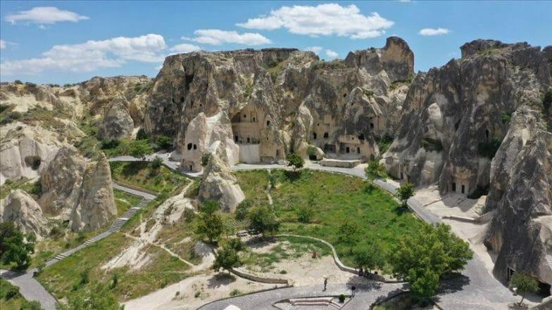 تركيا.. مدينة كبادوكيا التاريخية تعيد فتح أبوابها للزوار