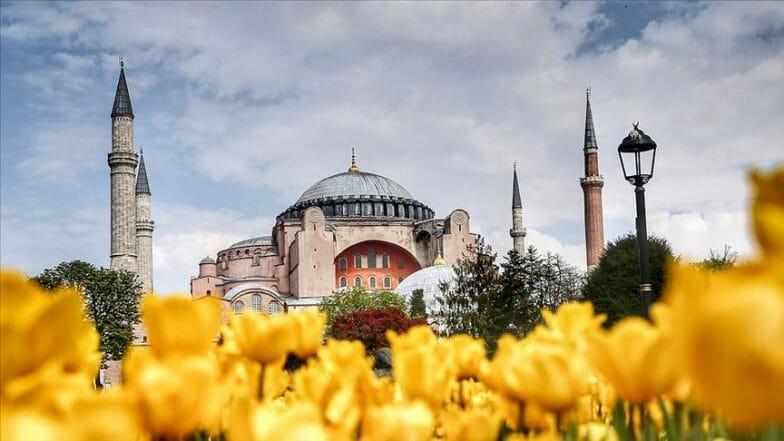 آيا صوفيا.. محضن عقيدة التوحيد من الأريوسيين إلى الأتراك