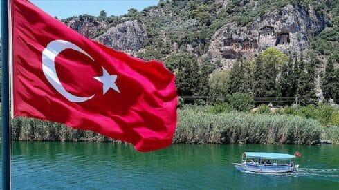 """السفير البريطاني بأنقرة: تركيا تطبق برنامج """"السياحة الآمنة"""" بشكل جيد"""