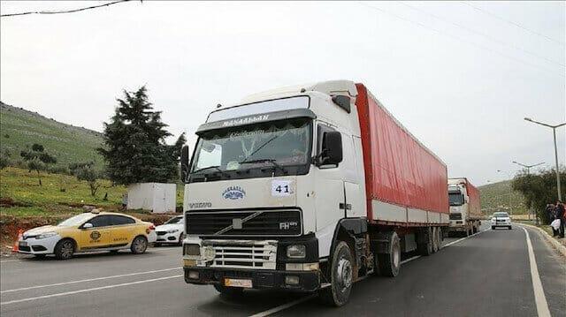 عبور 55 ألفًا شاحنة إغاثية وتجارية من تركيا إلى سوريا