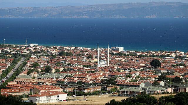 """تركيا: خليج """"ساروس"""" يتحول الى مركز جذب للمصطافين"""