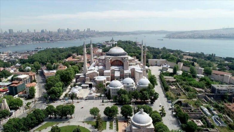 بأكثر من 4 أضعاف.. دور عبادة الأقليات في تركيا تفوق أي دولة غربية