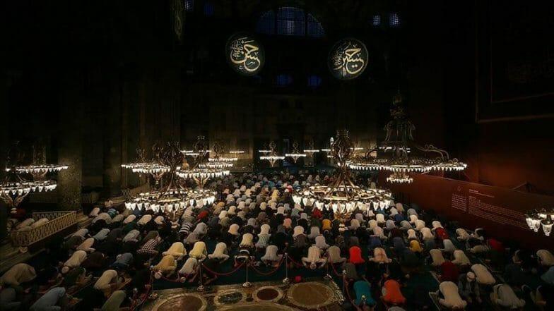 عالم دين كردي عراقي يشيد بافتتاح مسجد آيا صوفيا للعبادة