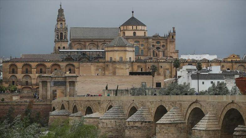كنائس إسبانية شهيرة.. جوامع حُرم منها المسلمون