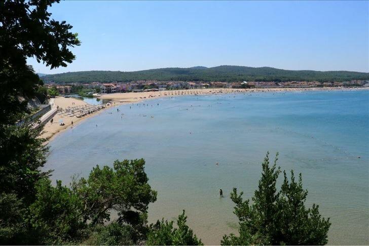 """""""قانديرا"""" التركية.. وجهة مفضلة لقضاء العطلة"""
