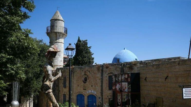 """كانت """"مساجد"""".. فحولتها إسرائيل إلى معابد وخمارات وحظائر"""